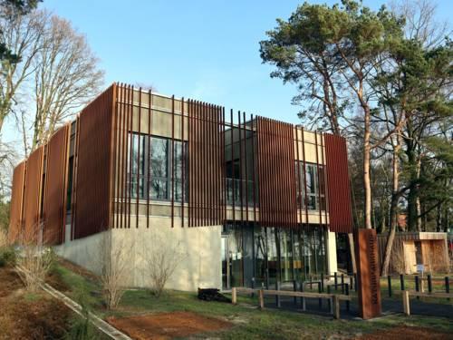 Blick auf das Naturparkhaus in Mardorf.