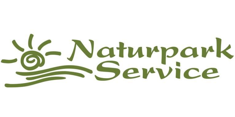 """Logo: Sonne und Wellen sind stilisiert mit wenigen Strichen gezeichnet, daneben steht """"Naturpark Service""""."""