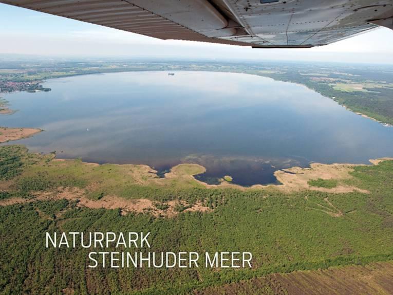 Luftaufnahme vom Steinhuder Meer bzw. Naturpark Steinhuder Meer.